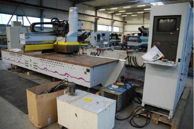 Оброблювальний центр CNC HOMAG BOF 31